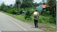 Man on road to Sixaola