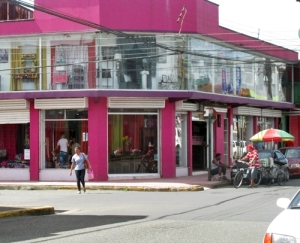 Colorful building in Limon